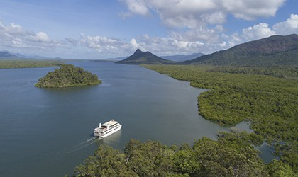 Coral Expeditions: Great Barrier Reef | Cairns - Hinchinbrook Island - Lizard Island - Cairns | 7 Nights 2